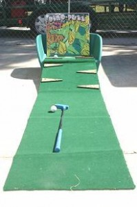 Midway Game  Dino Putt