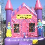 Princess Castle - 13' X 13' moonbounce